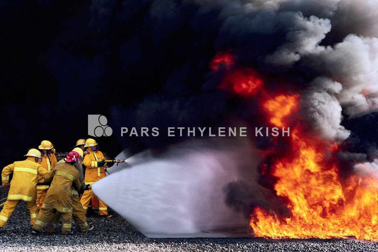 کاربرد لولههای پلی اتیلن در آتشنشانی و اطفاء حریق