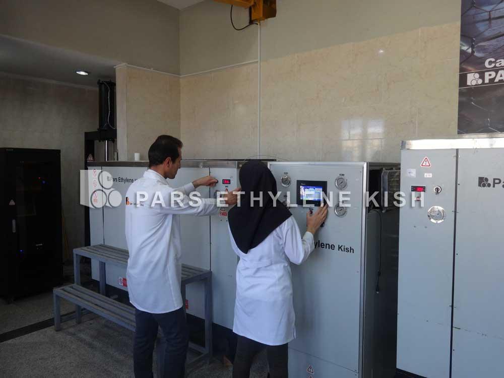 آزمایشگاه کنترل کیفیت لوله پلی اتیلن