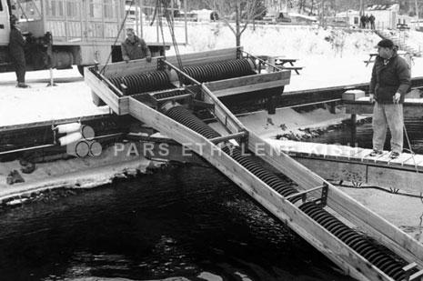 شکل 3-6: لوله پلی اتیلن بکار رفته برای ساخت اسکله شناور