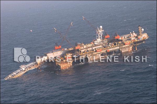 لوله پلی اتیلن در دریا